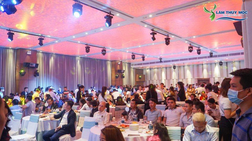 Đông đảo khách hàng tham dự lễ mở bán dự án Chu Lai Riverside